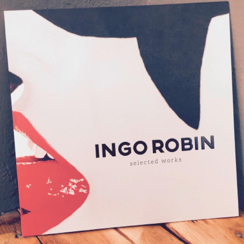 """Vorderseite der Einladung zur Ausstellung """"selected works"""" von Ingo Robin."""