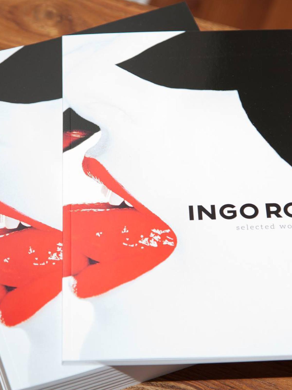"""Cover, Katalog für die Ausstellung """"selected Works""""."""